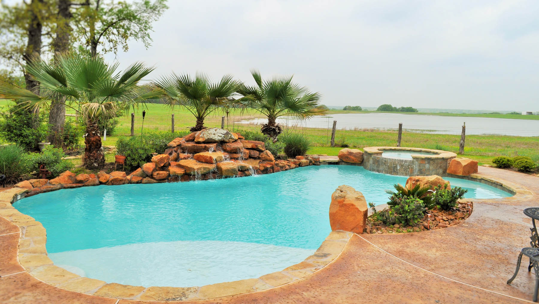 Bryan college station custom pool design photos brazos valley for Custom design pools