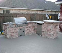 Stacked-Stone-Outdoor-Kitchen