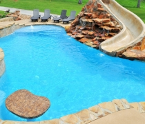 custom-pool-floating-table-sundeck-bubblers-feature-wall