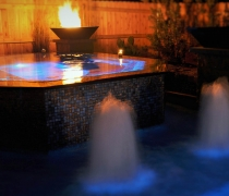 Infinity-Edge-Spa-with-Japanese-Glass-Tile